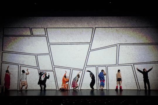前往漫画形式的边界——舞剧『手冢 TeZukA』
